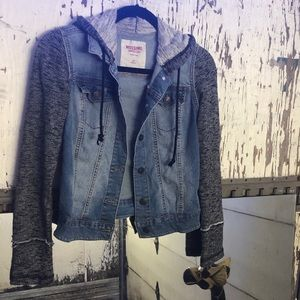 Mossimo Supply Co. Jackets & Coats - 🌀💙ADORABLE HOODED JEAN JACKET